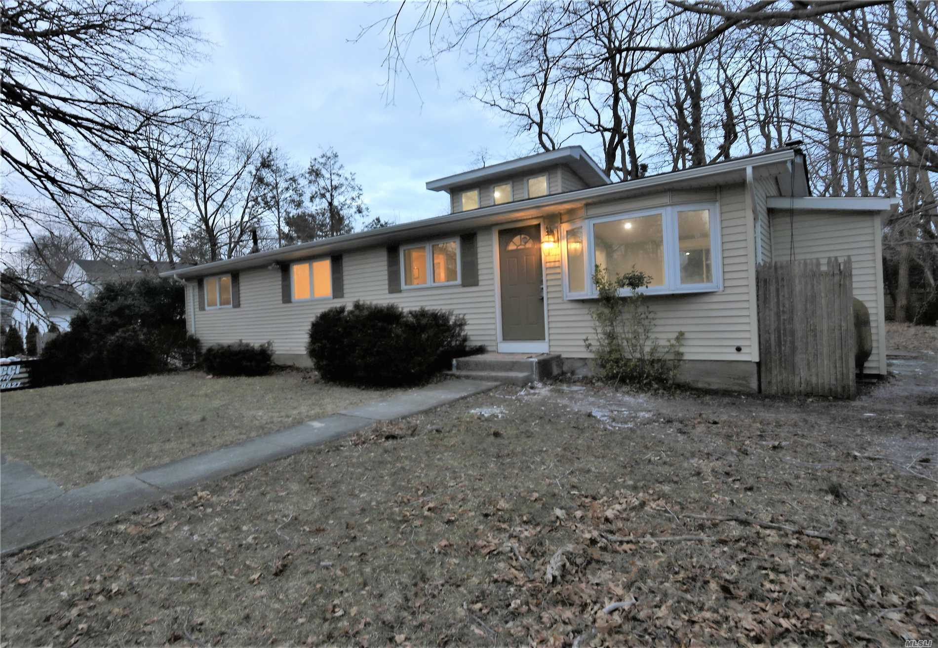 240 N Country Rd - Miller Place, New York