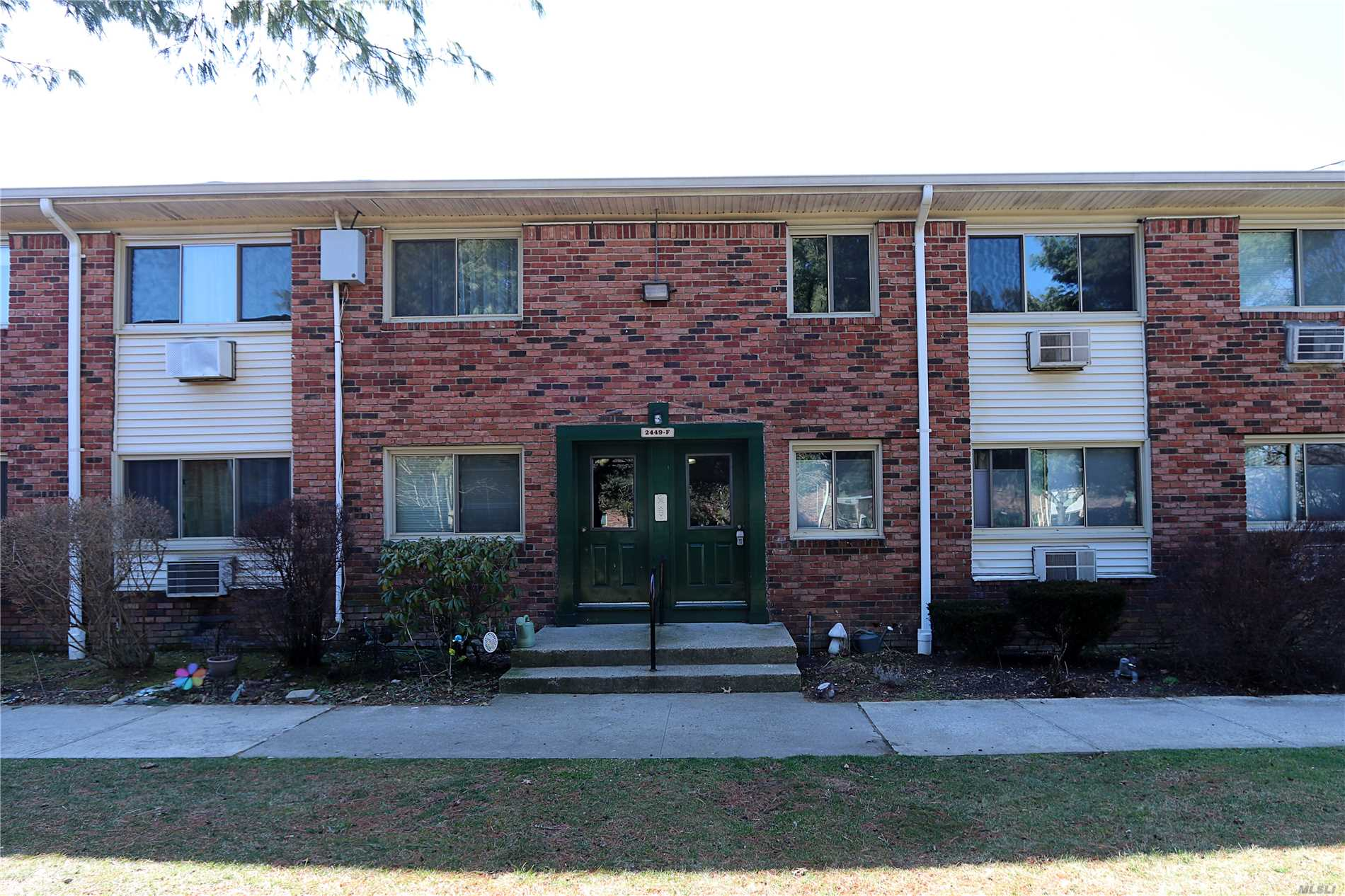 2449 F Union Blvd, 10A - Islip, New York