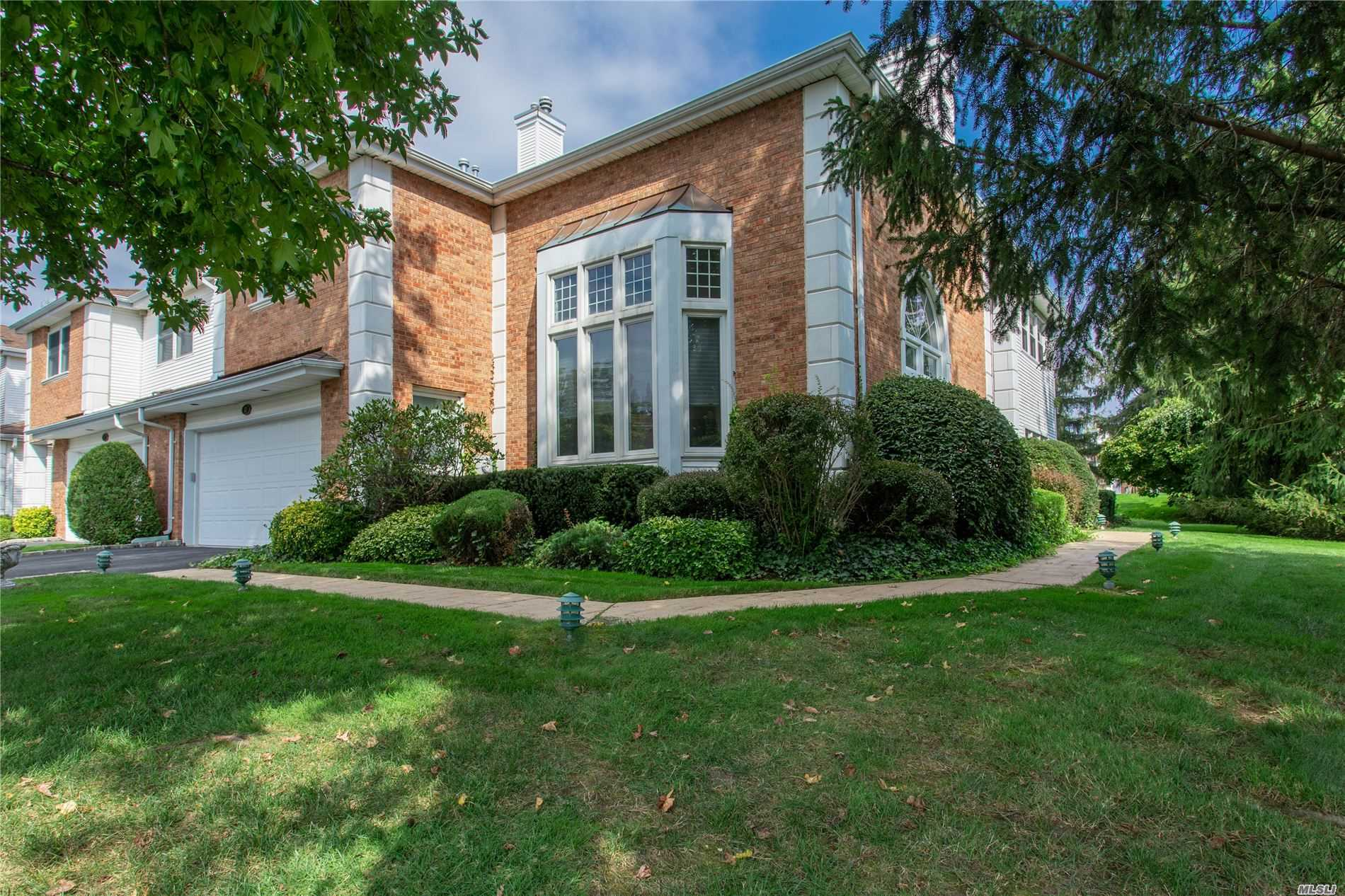 38 Hamlet Dr - Commack, New York