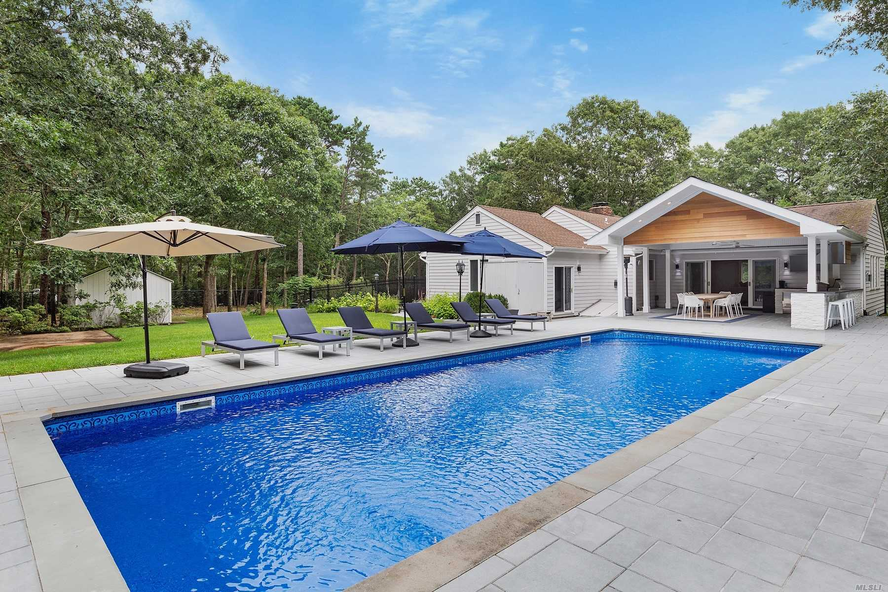 541 Wainscott Northw Rd - East Hampton, New York