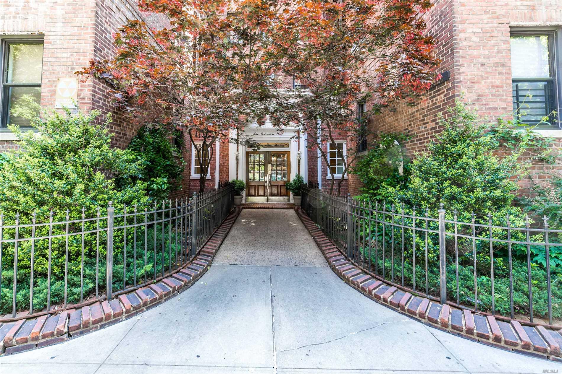 35-15 84th St, 4I - Jackson Heights, New York