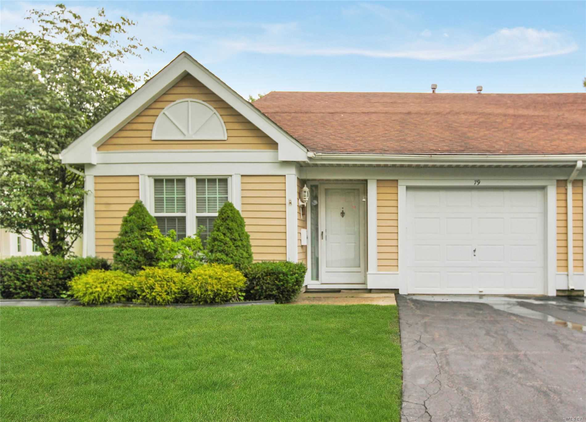 79 Glen Dr, 55 - Ridge, New York