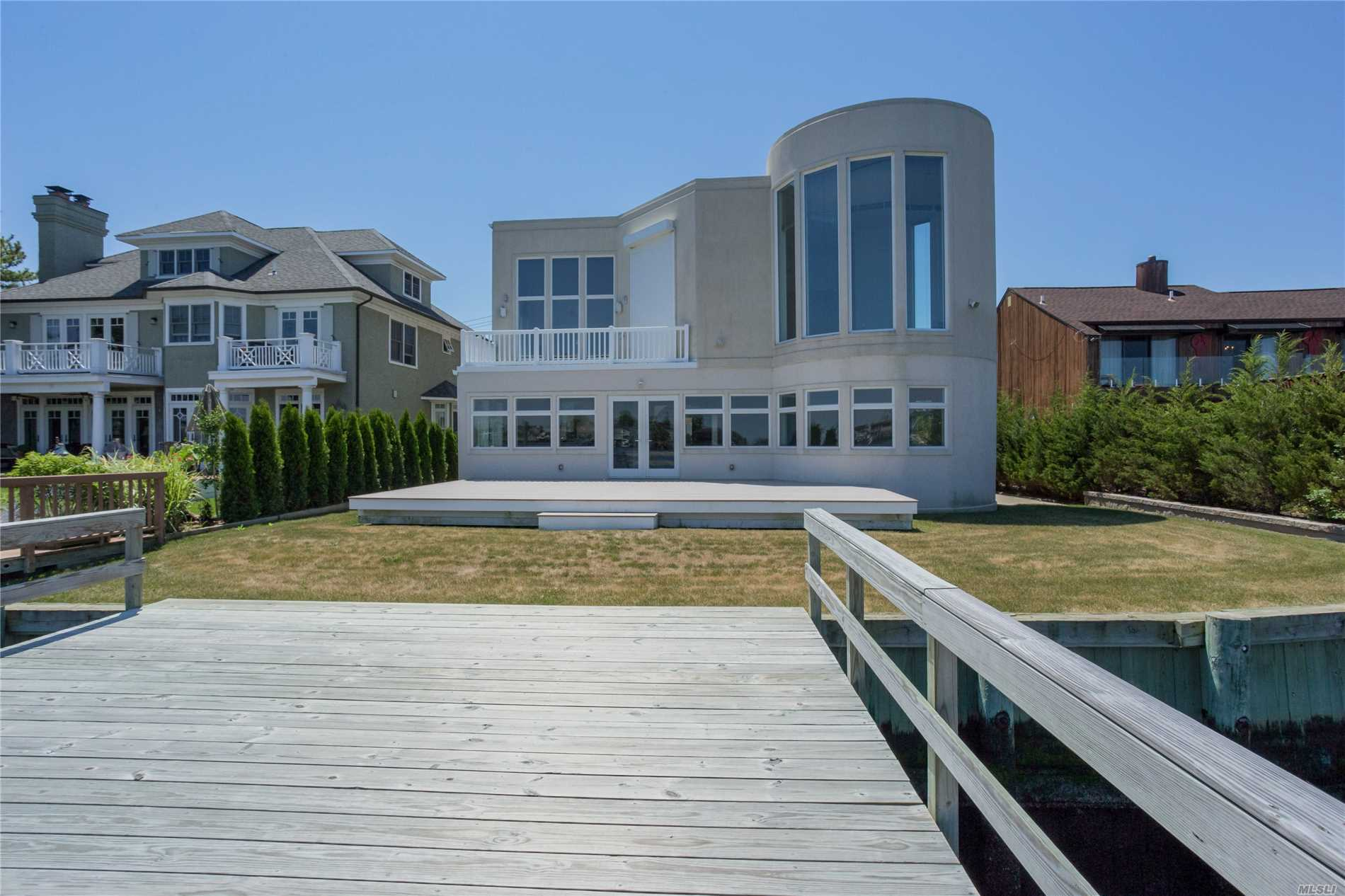 505 E Bay Dr - Long Beach, New York