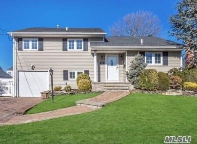 22 Jomarr Pl - Massapequa, New York