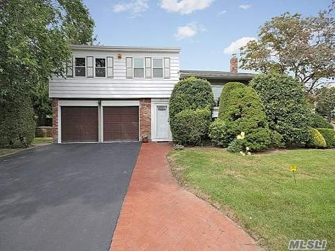 2717 Ellen Rd - Bellmore, New York