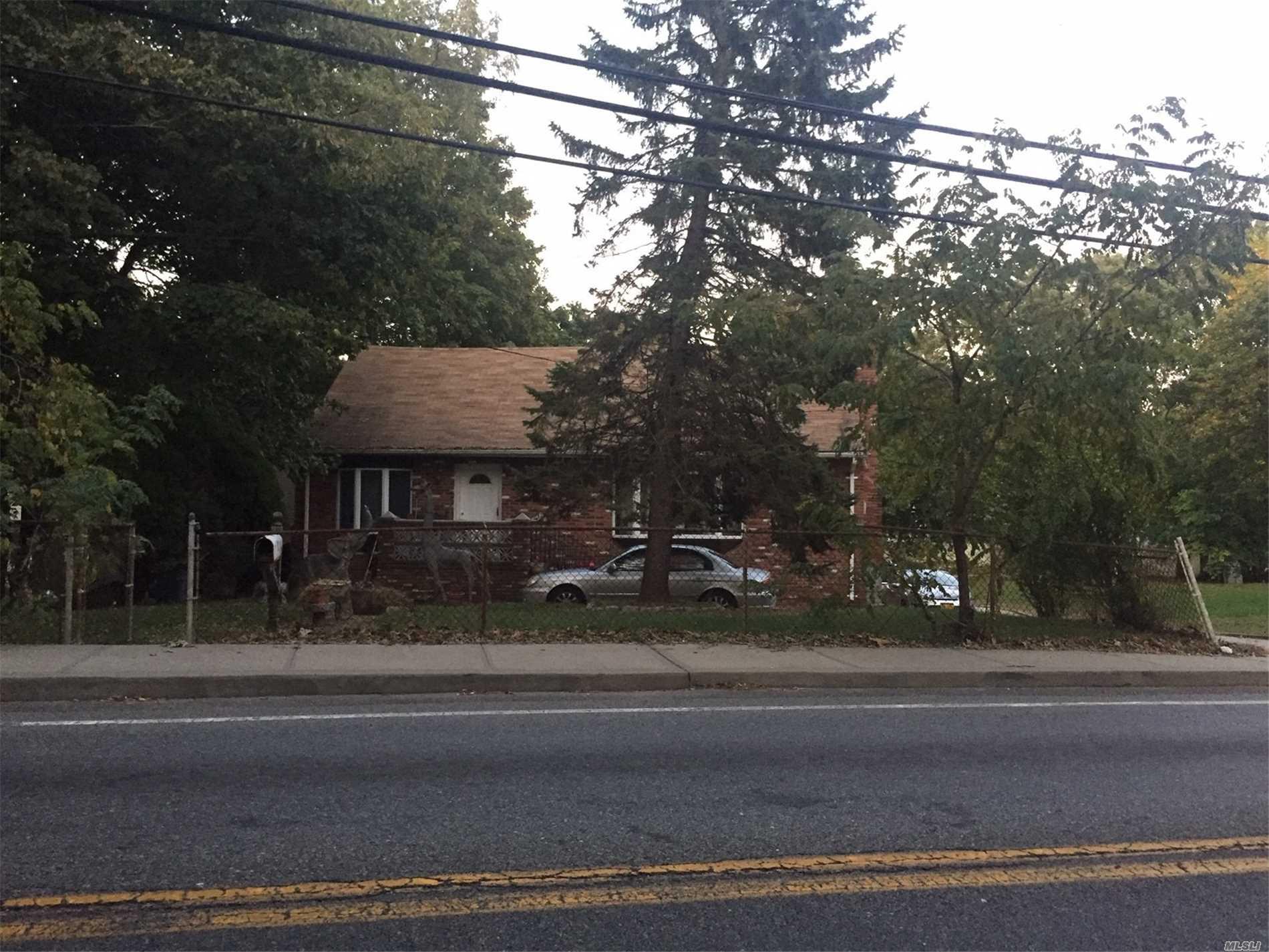 1046 Park Ave - Huntington, New York