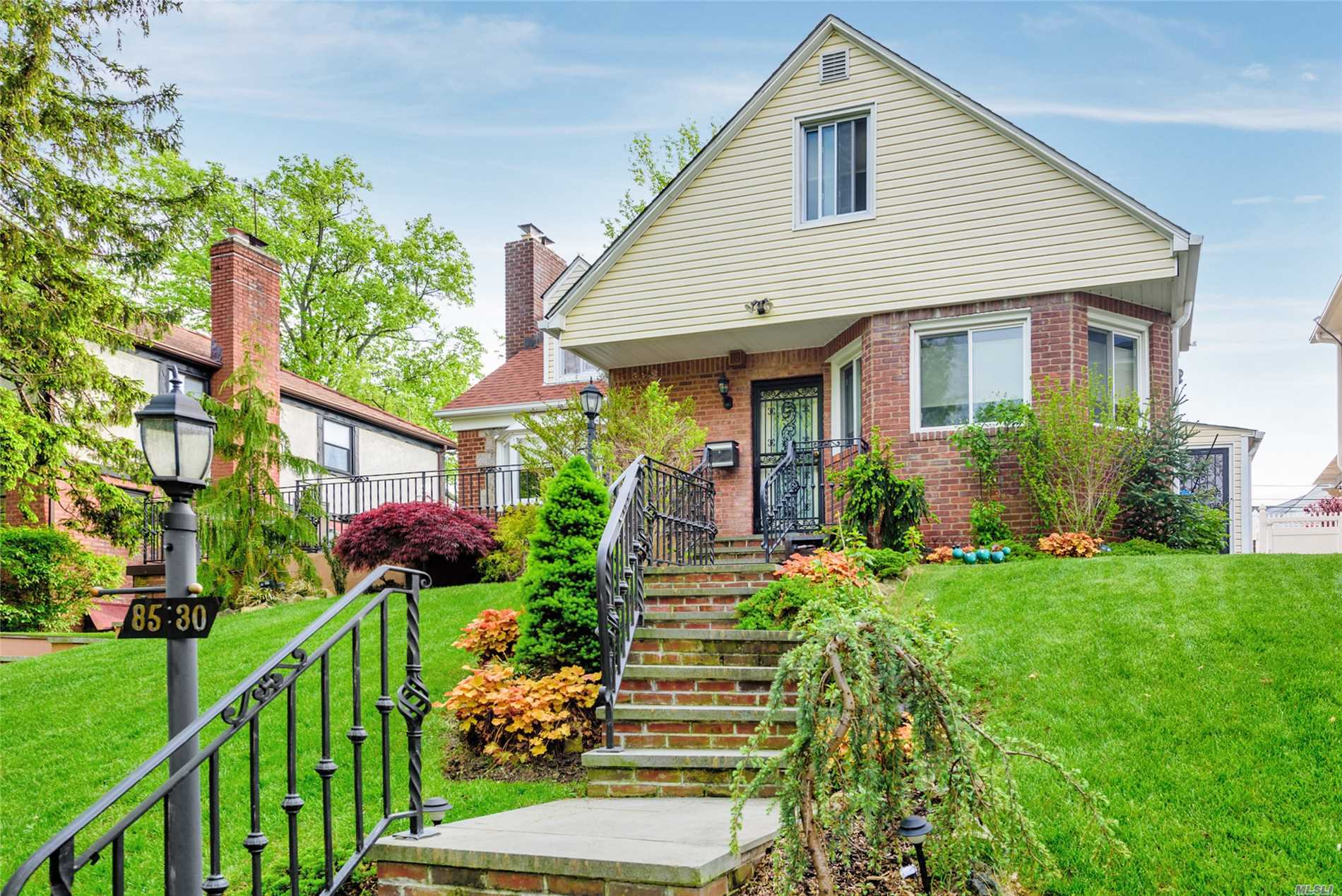 85-30 217 St - Hollis Hills, New York