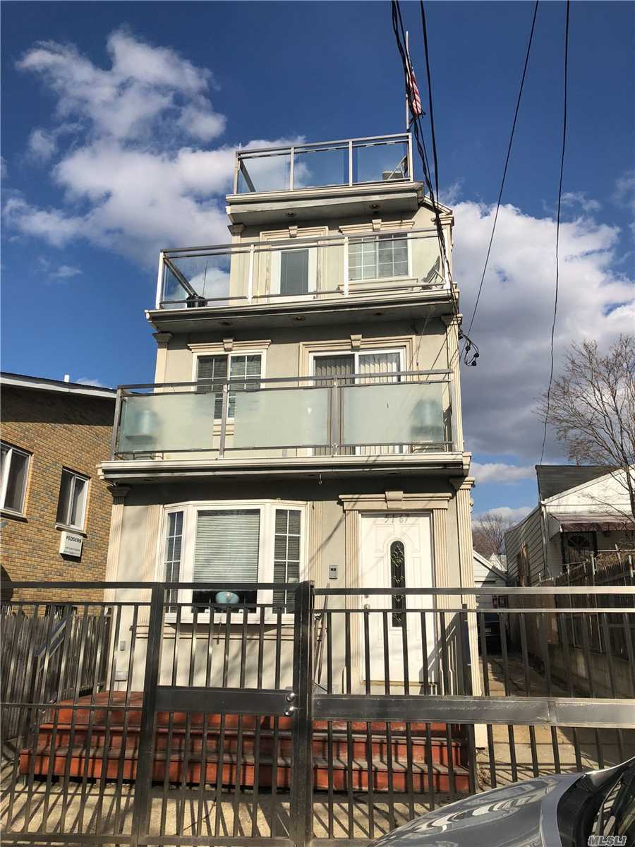 51-67 72 St - Woodside, New York