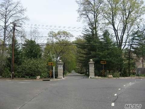 Lot 31-32 Meudon Dr - Lattingtown, New York