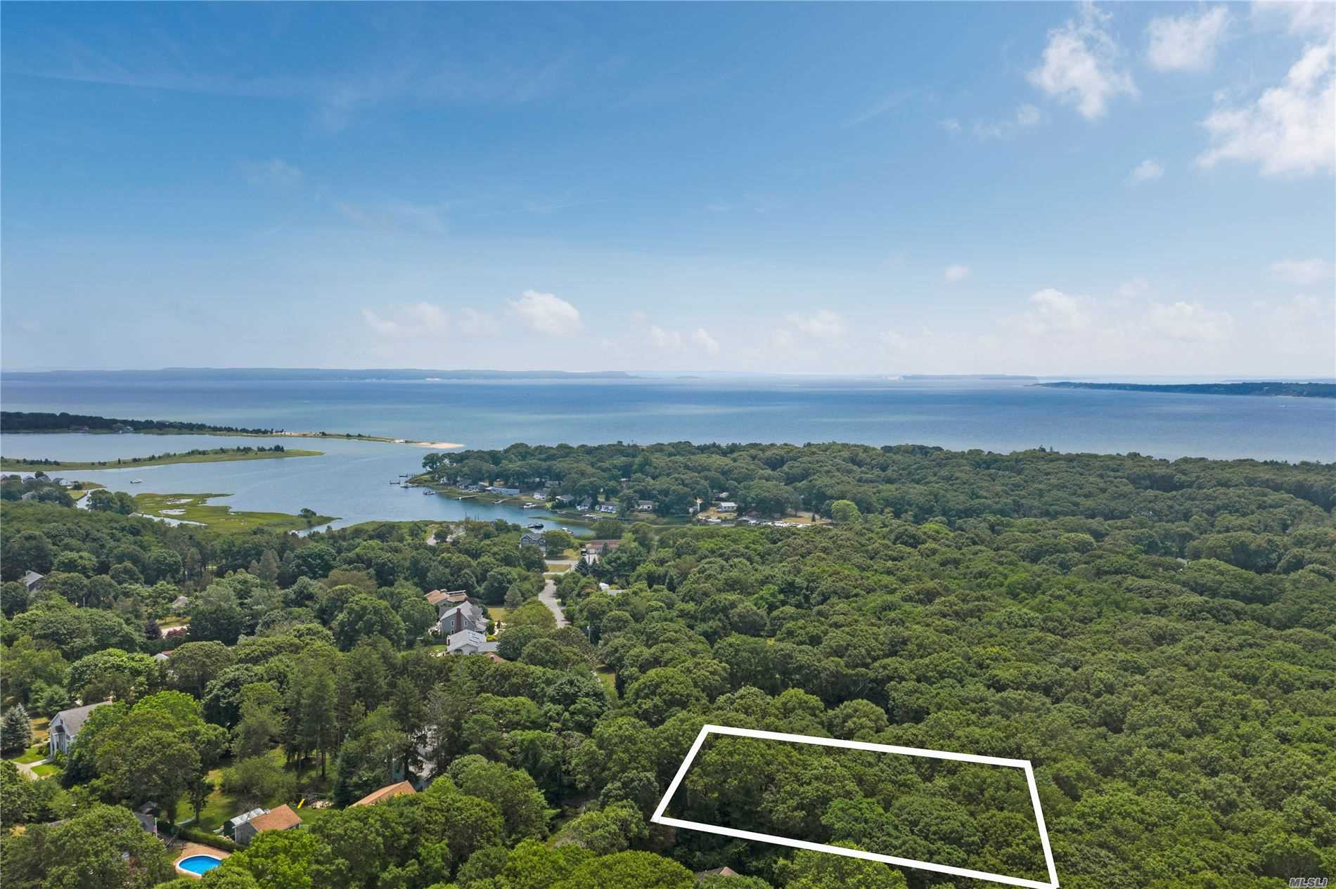 300 Corey Creek Ln - Southold, New York