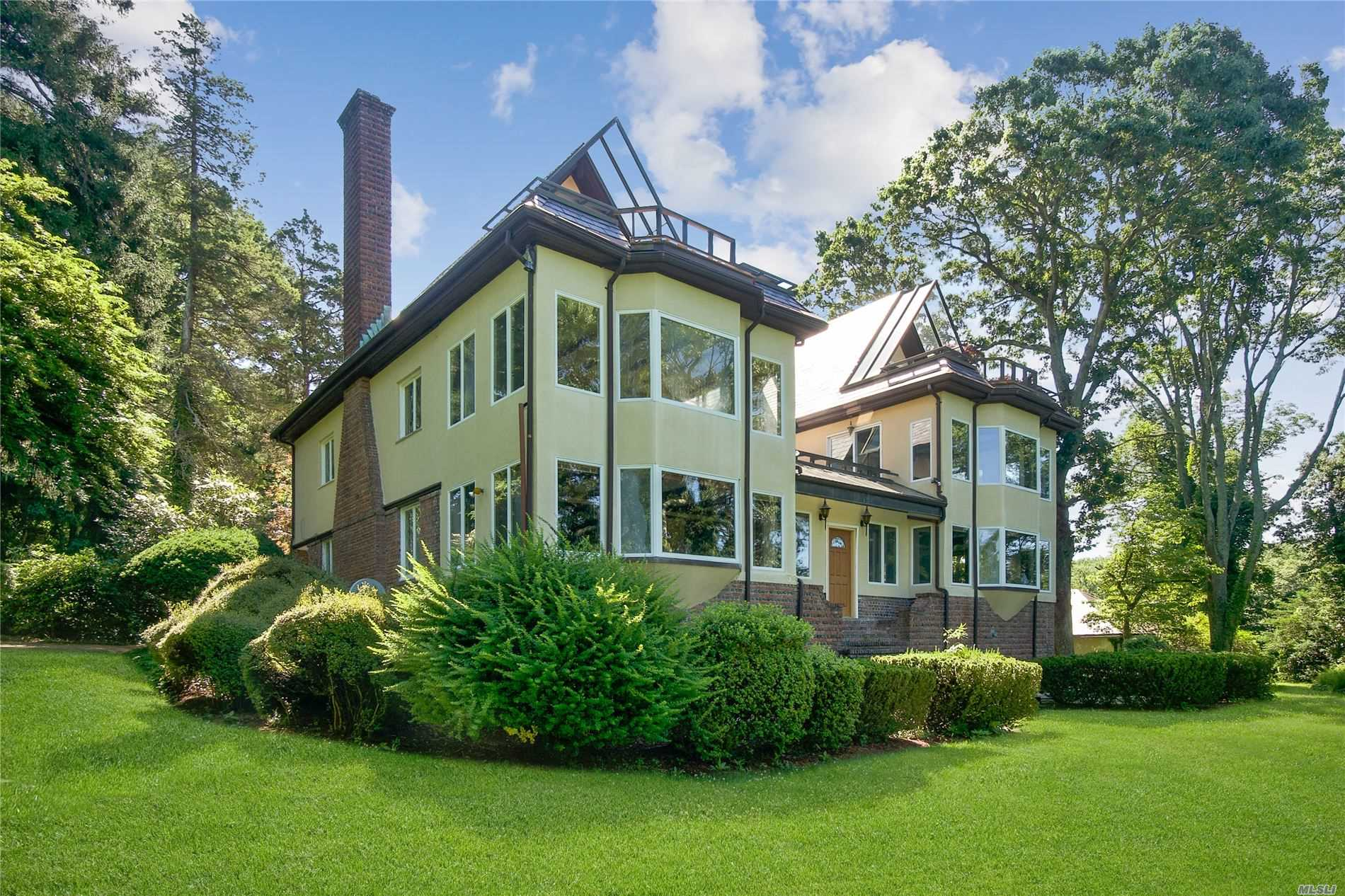 32 Lower Devon Rd - Port Jefferson, New York