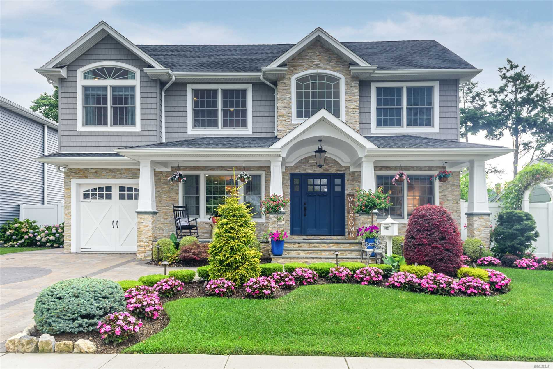 182 Margaret Dr - East Meadow, New York