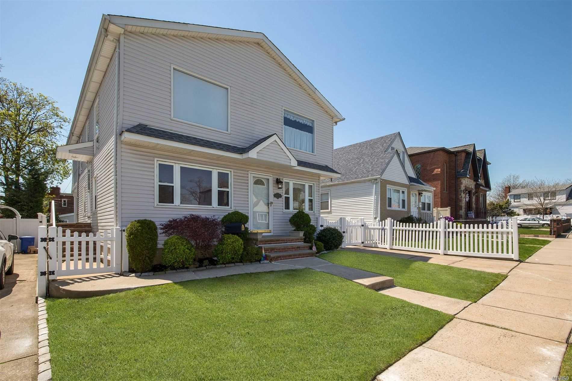 169-12 21 Rd - Whitestone, New York