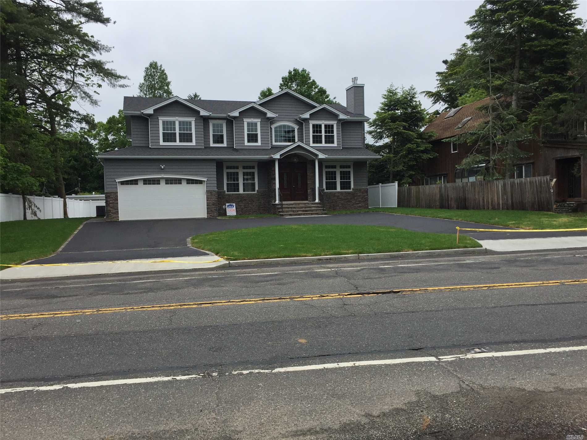 143 Berry Hill Rd - Syosset, New York