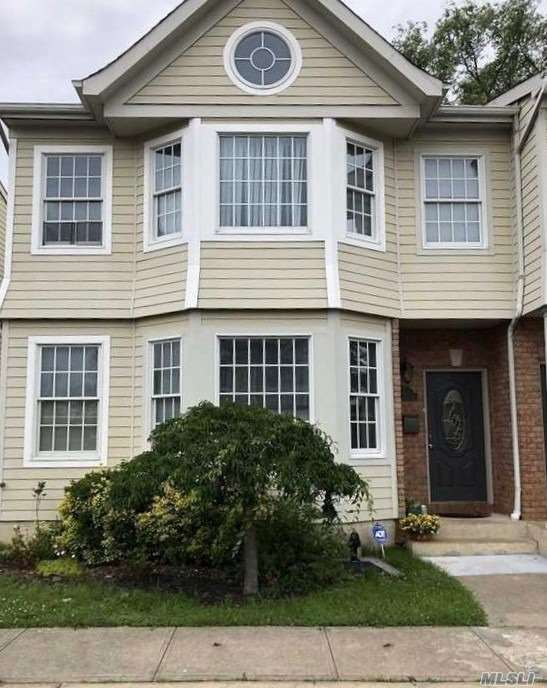 7807 Shore Rd - Port Washington, New York