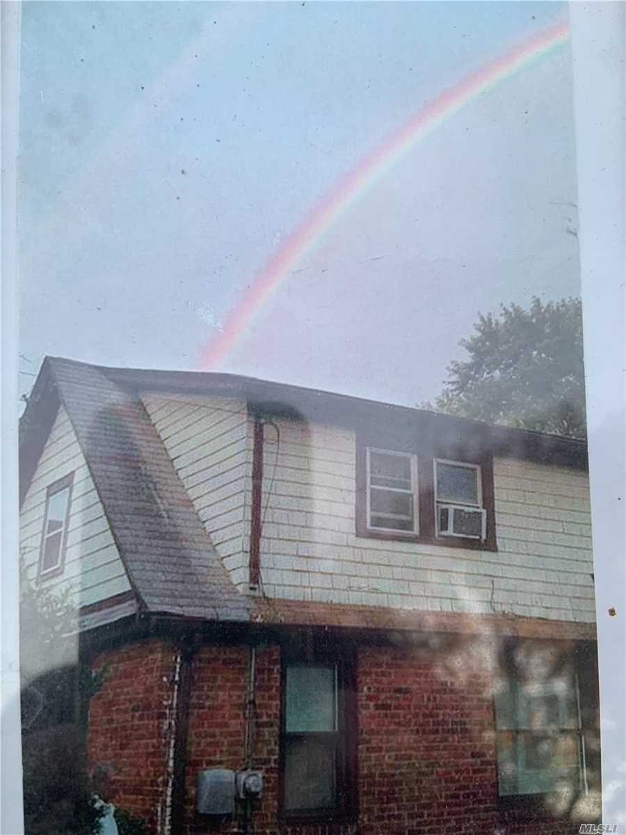 1756 Glenmore Ave - East Meadow, New York