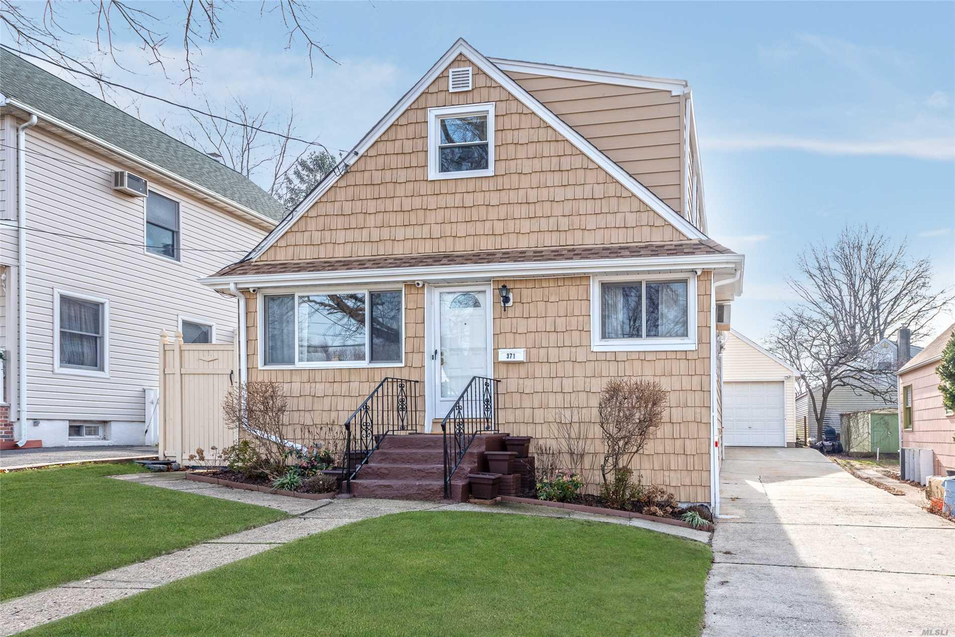 371 Hamilton Ave - W. Hempstead, New York