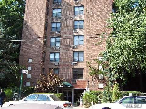 65-15 38 Ave - Woodside, New York