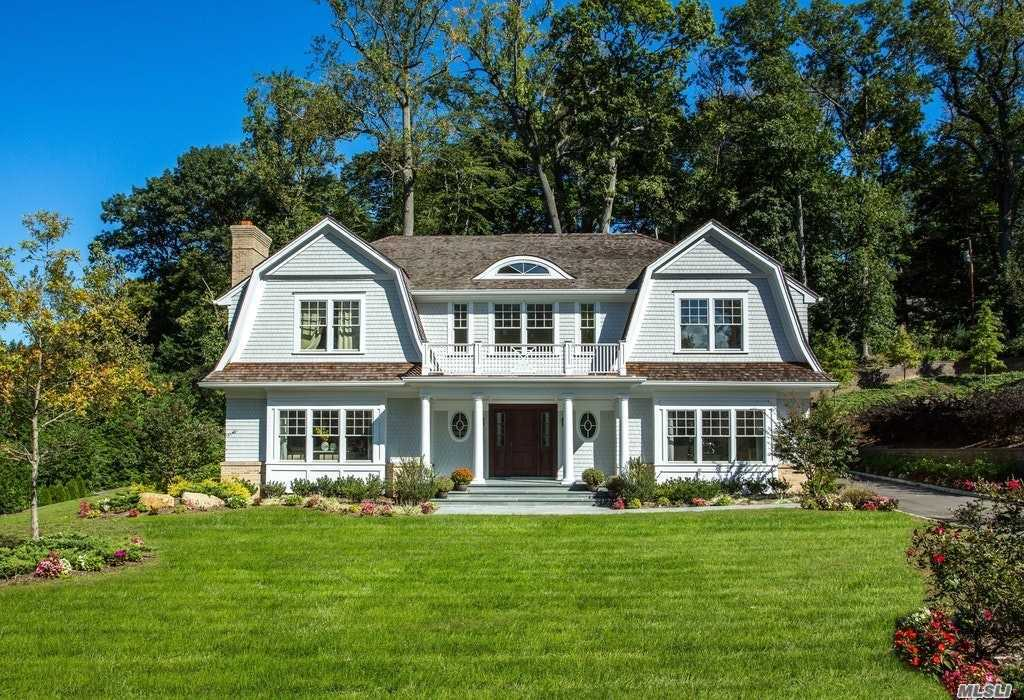 142 Plymouth Ct - Manhasset, New York