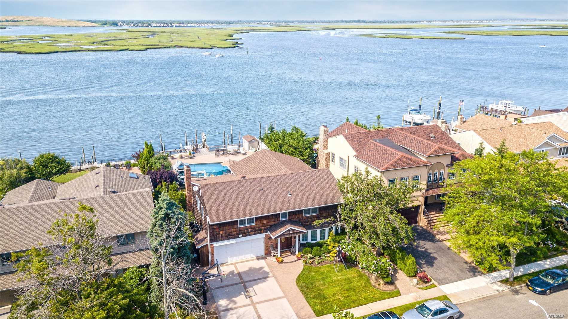 293 Harbor Dr - Lido Beach, New York