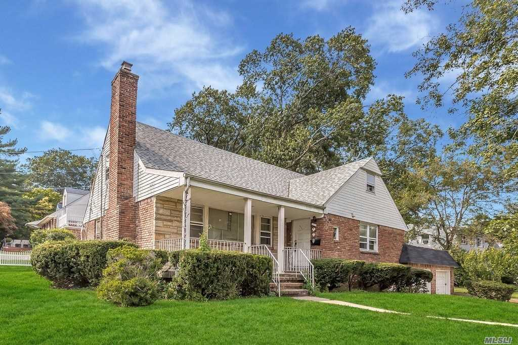 486 Woodfield Rd - W. Hempstead, New York