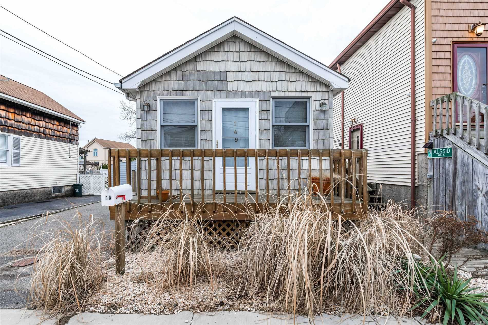 149 Barbara Rd - Bellmore, New York