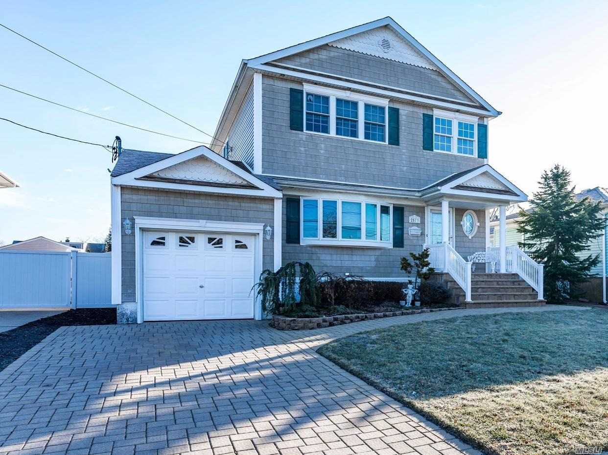 2573 Bedell St - Bellmore, New York