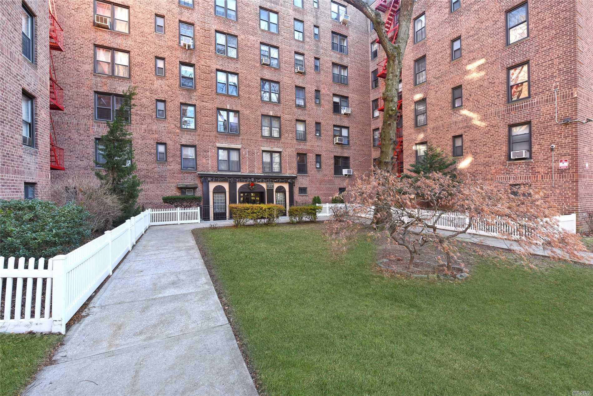 83-20 98th St, 3U - Woodhaven, New York