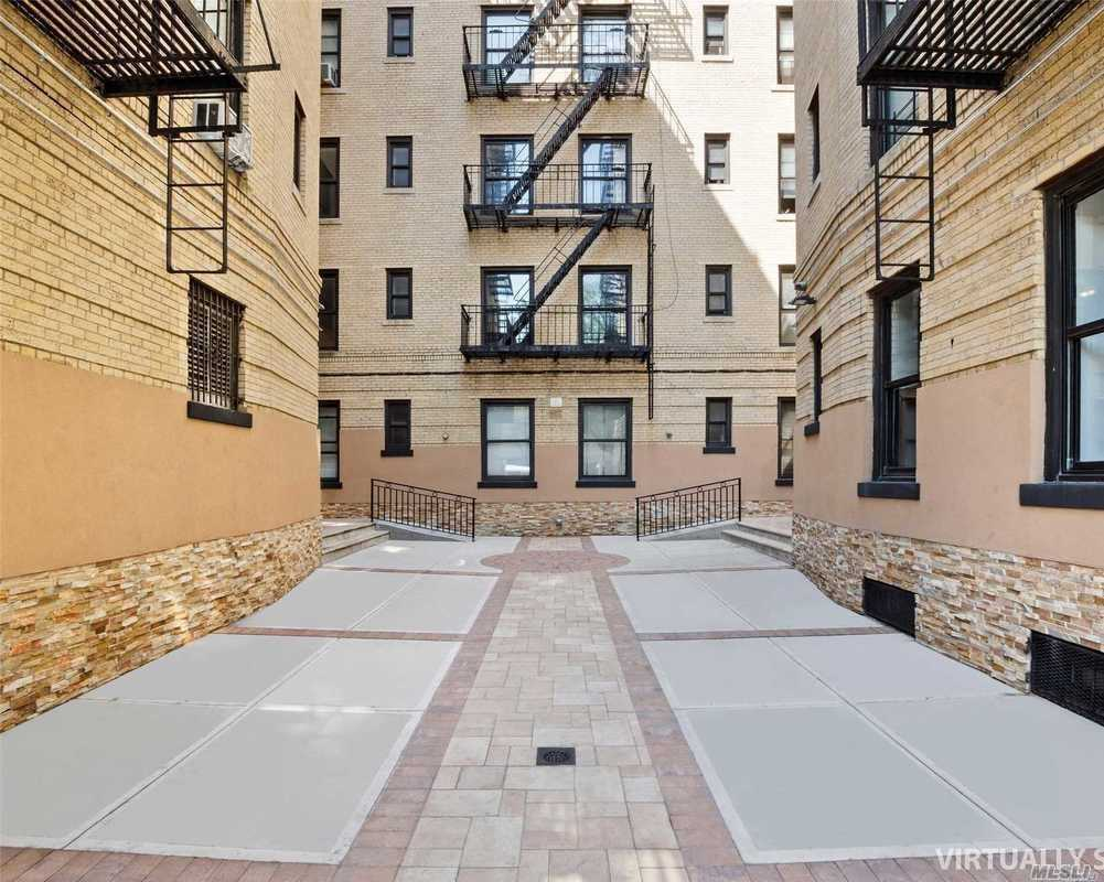 61-05 39th Ave, 5F - Woodside, New York