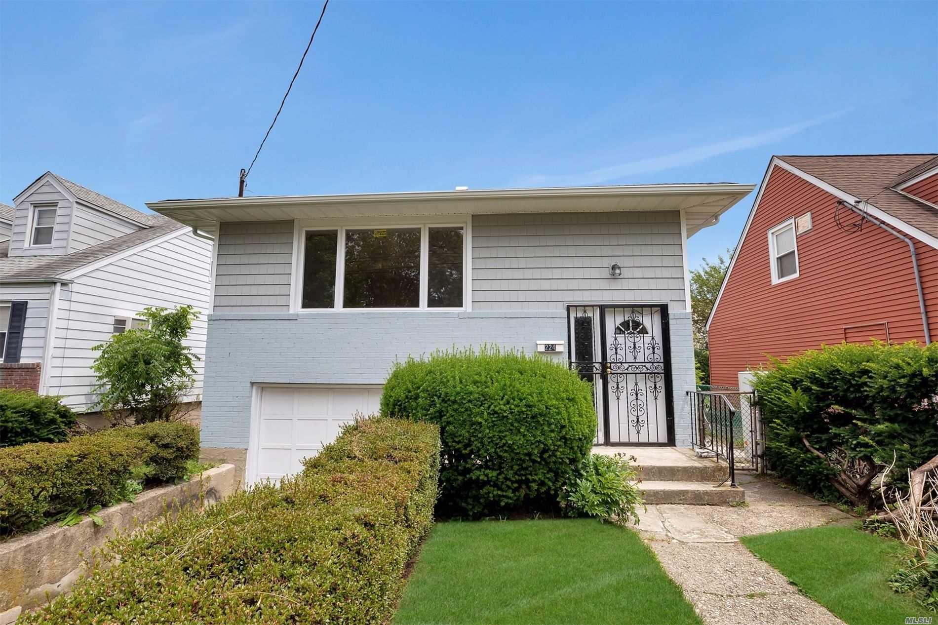 224 Holly Ave - Hempstead, New York