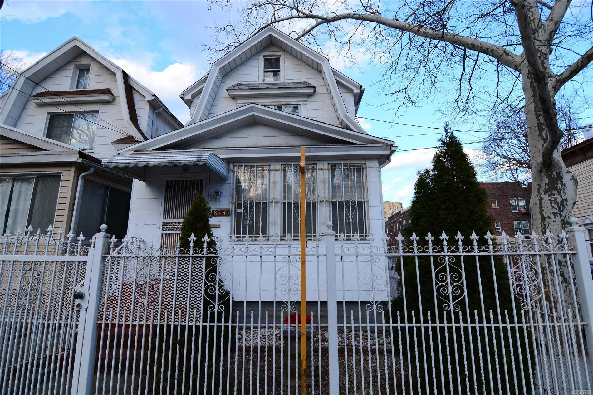 85-45 101st St - Richmond Hill, New York