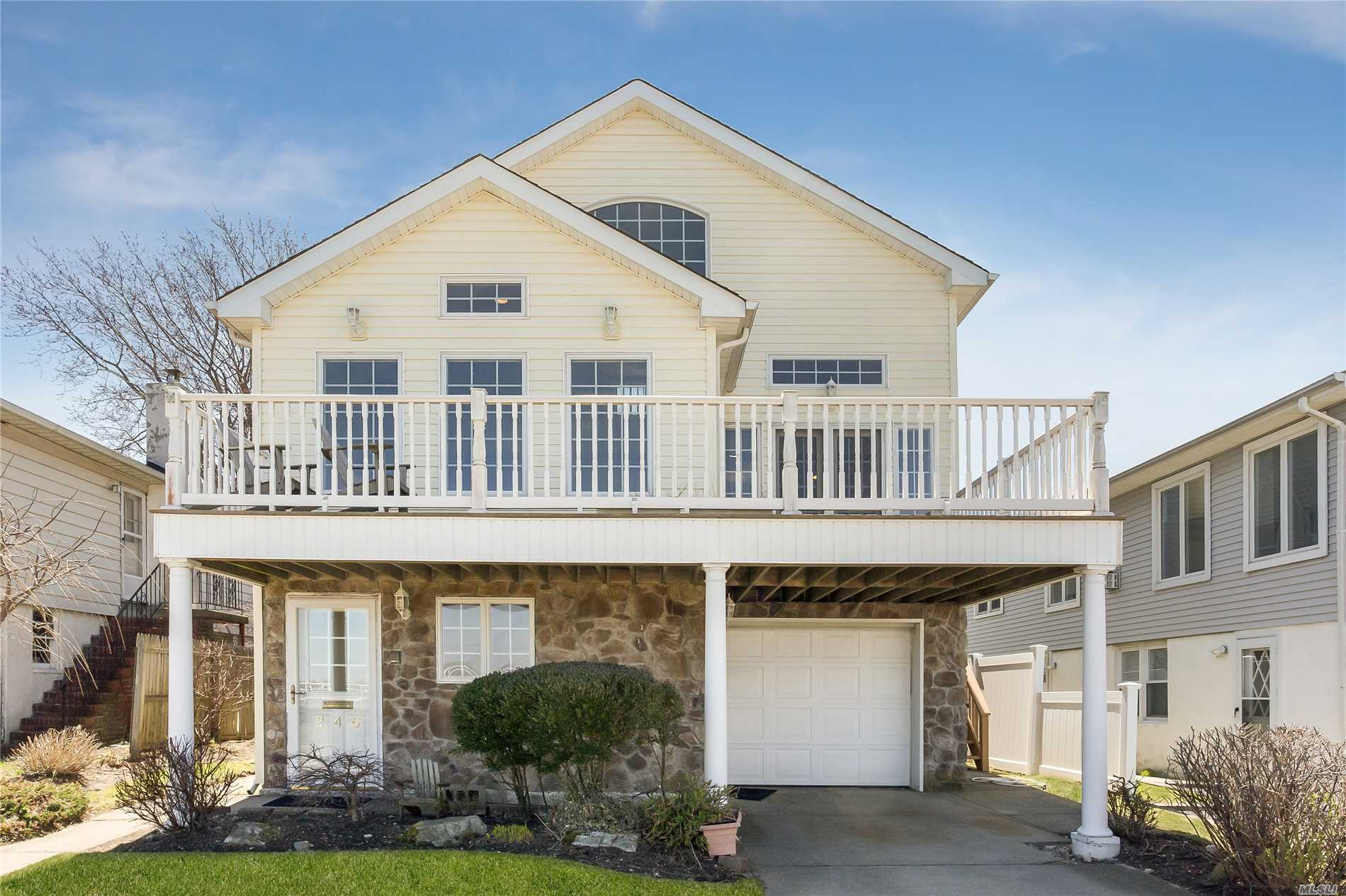 246 W Bay Dr - Long Beach, New York