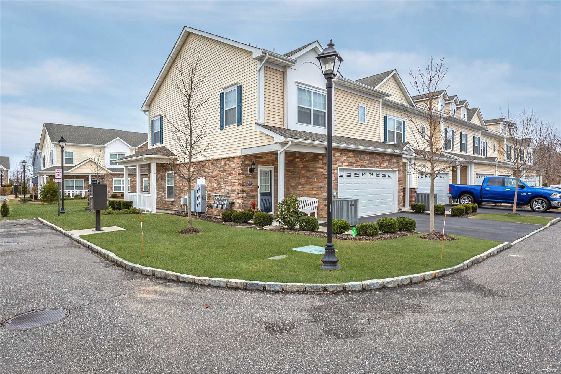116 Millie Ct - Patchogue, New York