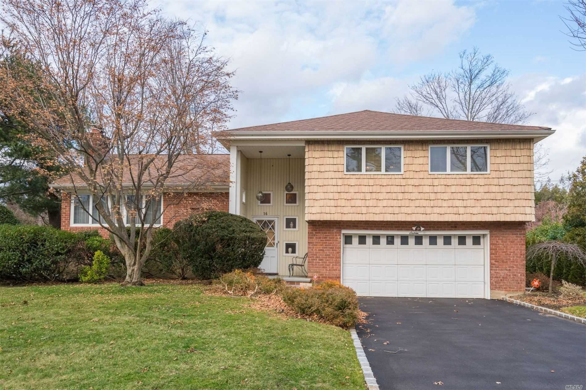 16 Lilac Dr - Syosset, New York