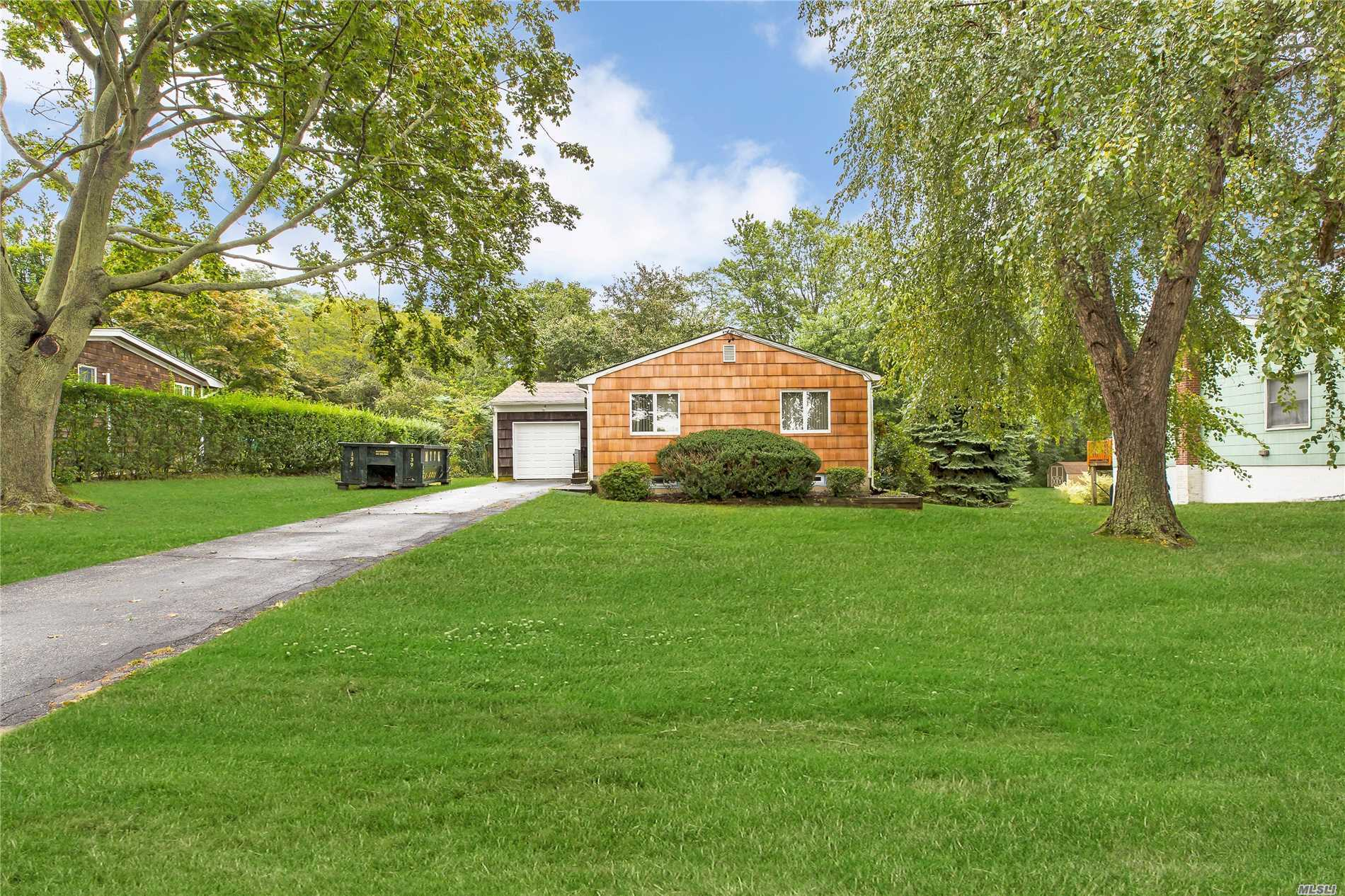 2865 S Harbor Rd - Southold, New York
