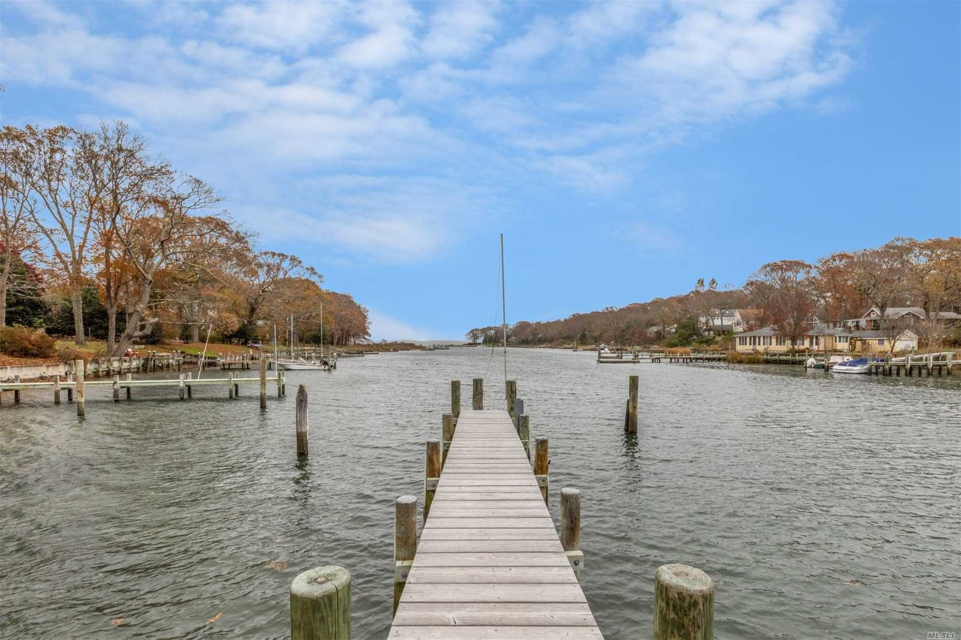 3995 Wells Ave - Southold, New York