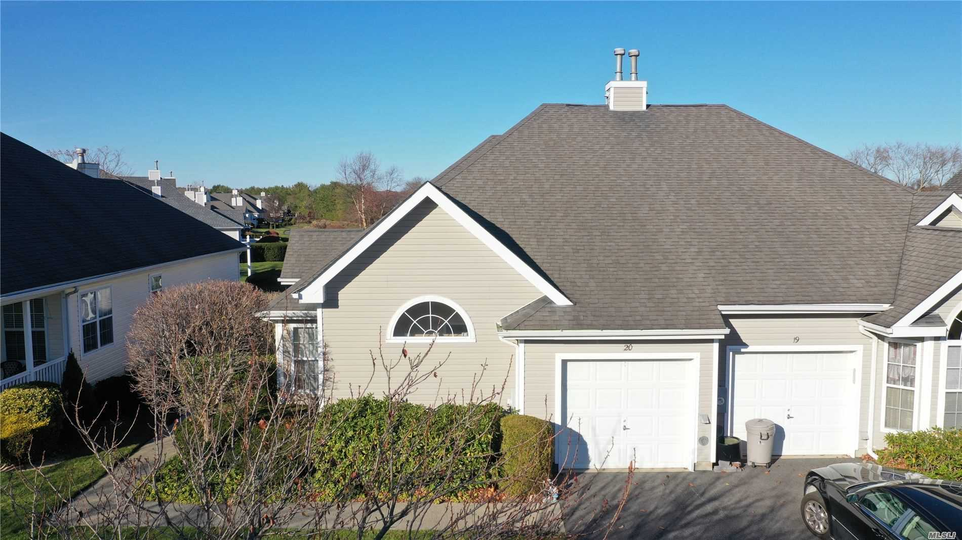 20 Lakeview Ct - Riverhead, New York