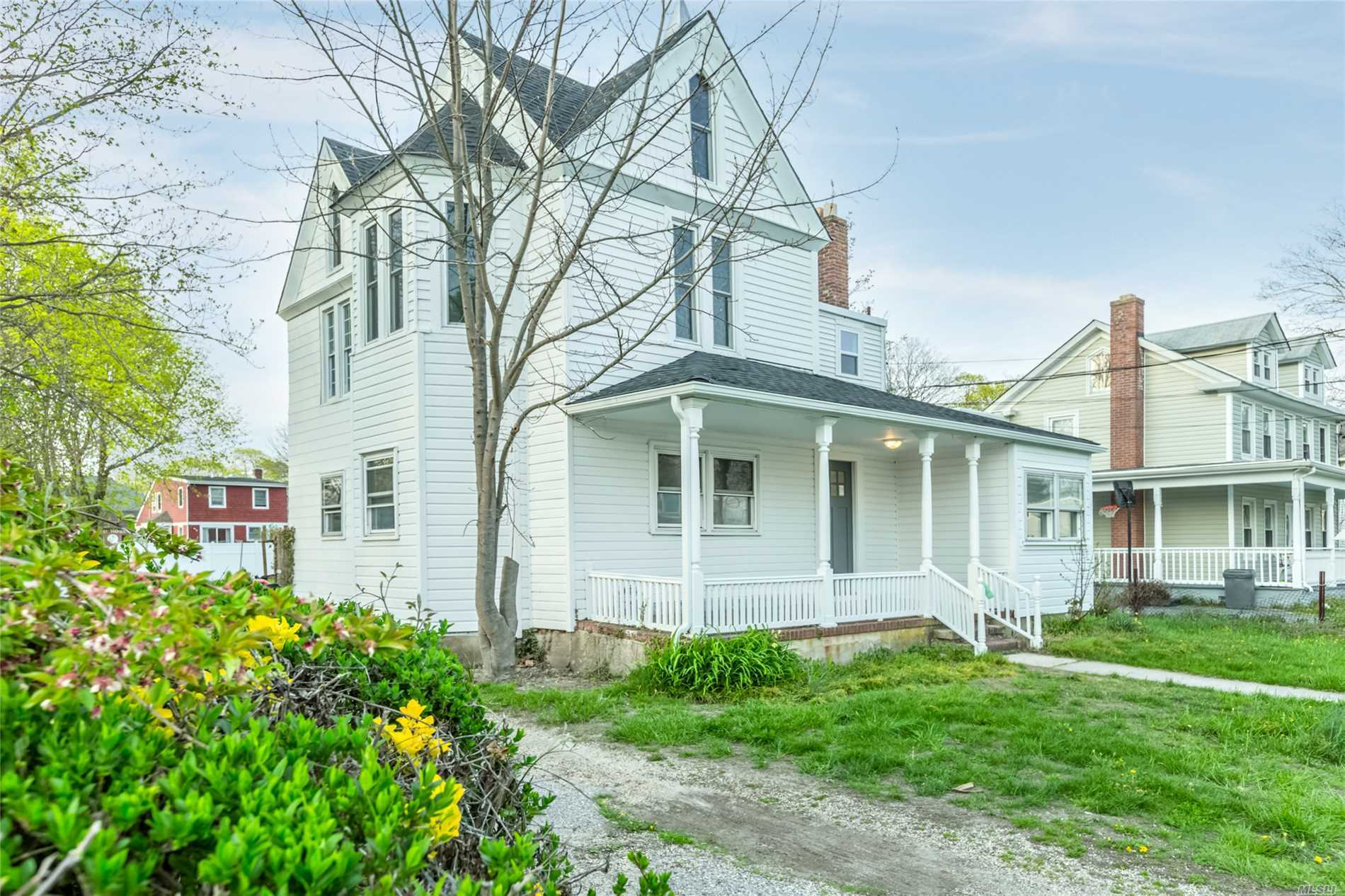 16 Brook St - Patchogue, New York
