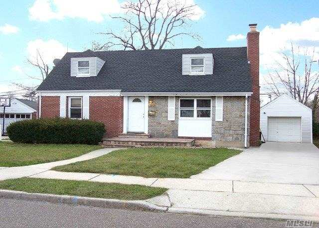 This Beautiful And Renovated Cape Has Just Been Listed in Baldwin!