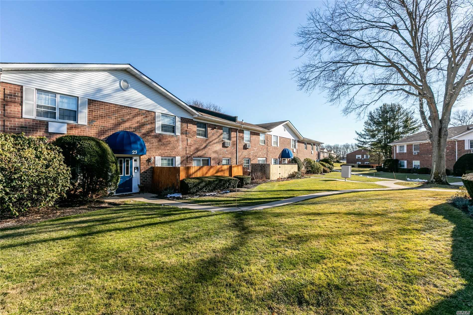 460 Old Town Rd, 23L - Pt.Jefferson Sta, New York