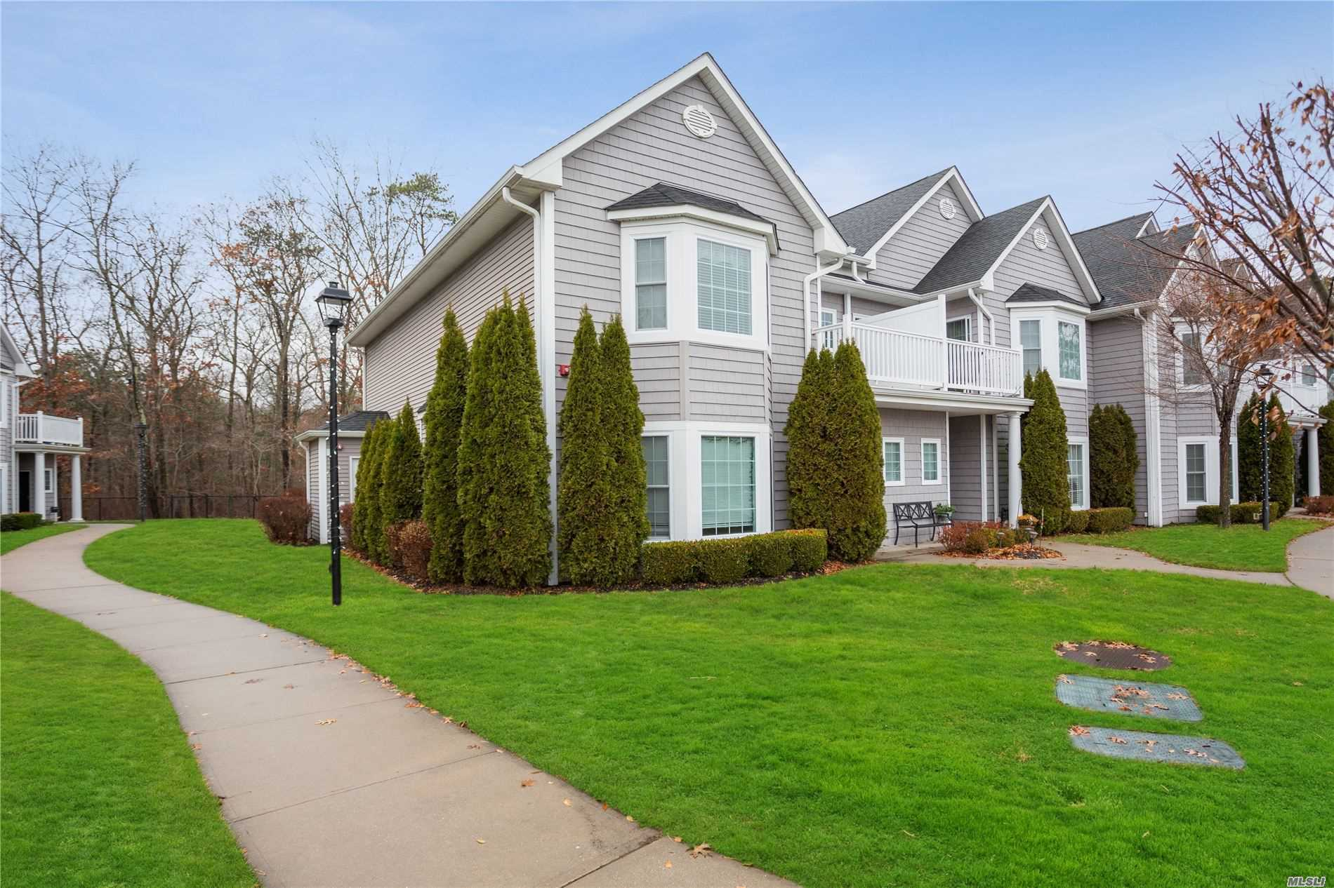 302 O'keefe Ct - Oakdale, New York