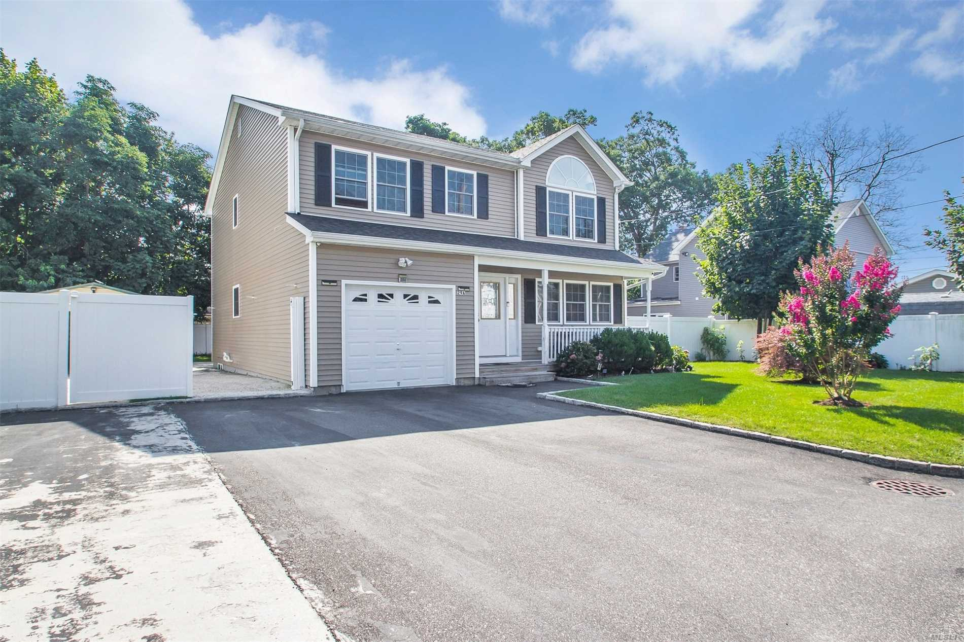 29A E Maple St - Massapequa, New York