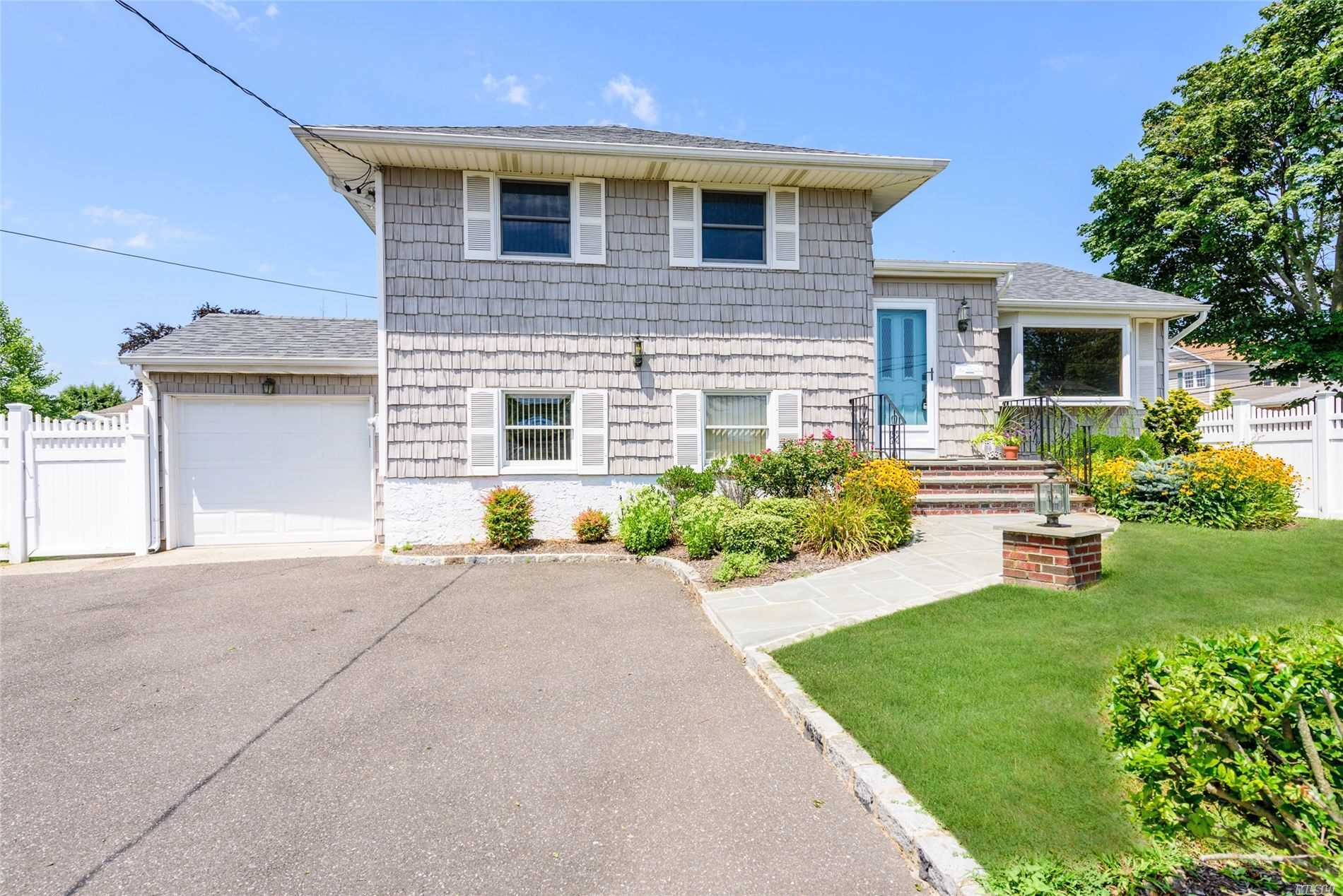 2685 Landing Ave - Bellmore, New York