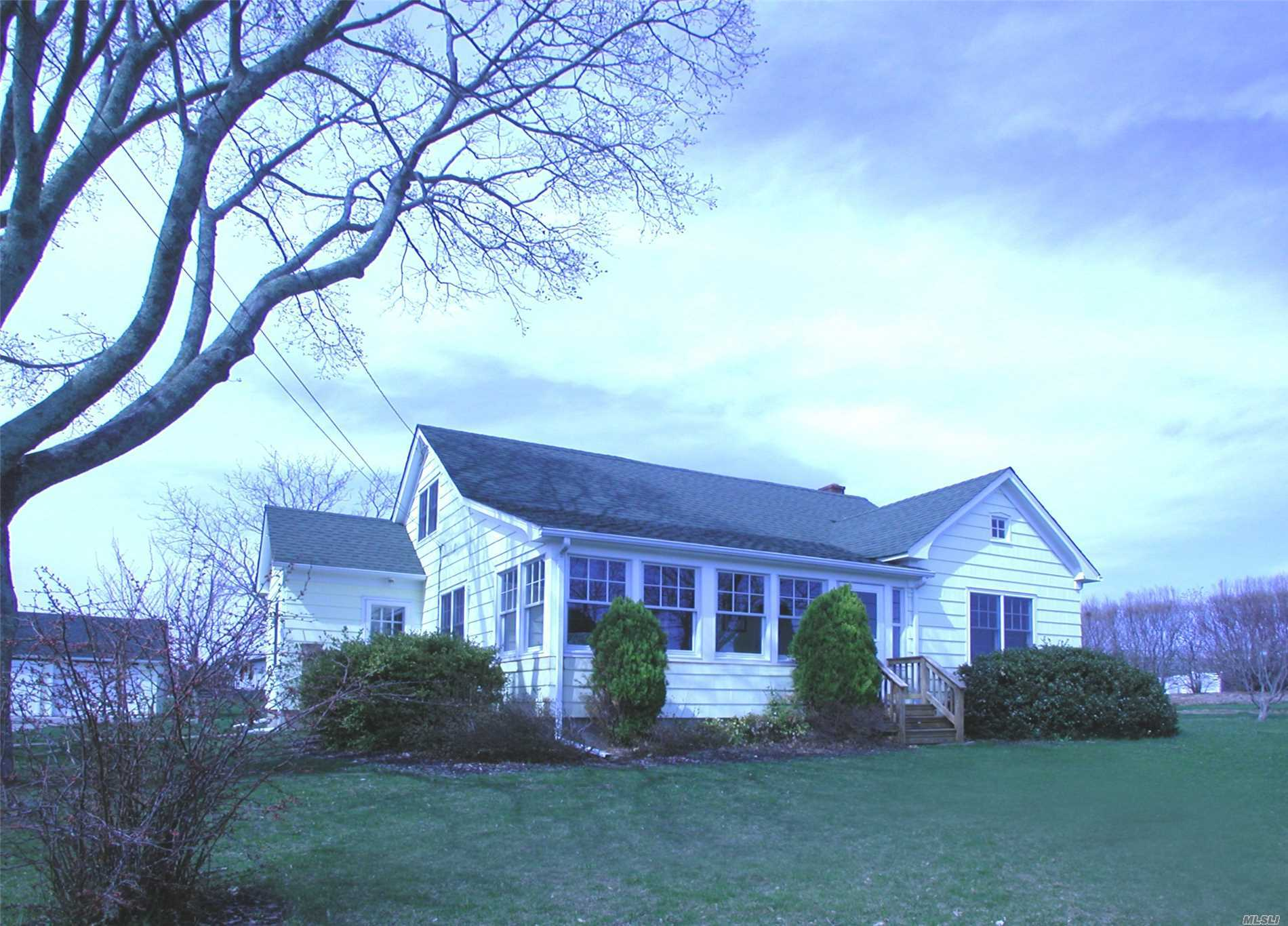 4475 New Suffolk Ave - Mattituck, New York