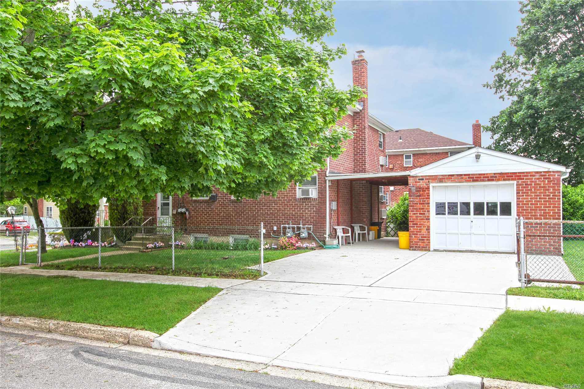 836 Main St - Farmingdale, New York