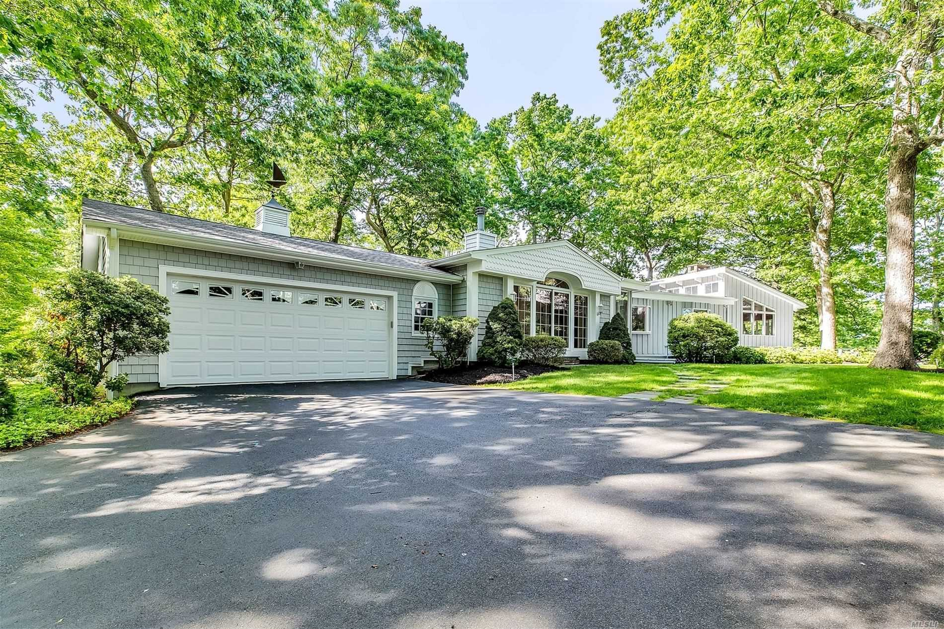 1525 Gull Pond Ln - Greenport, New York