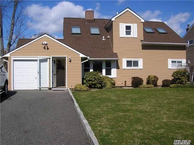 26 Polo Ln - Westbury, New York