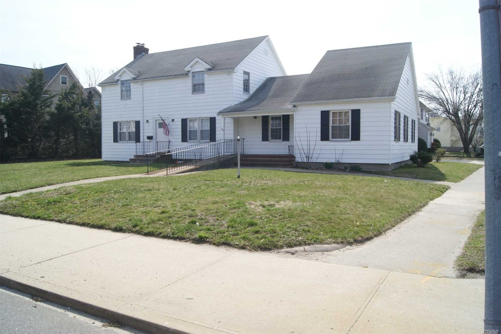 258 S Ocean Ave - Patchogue, New York