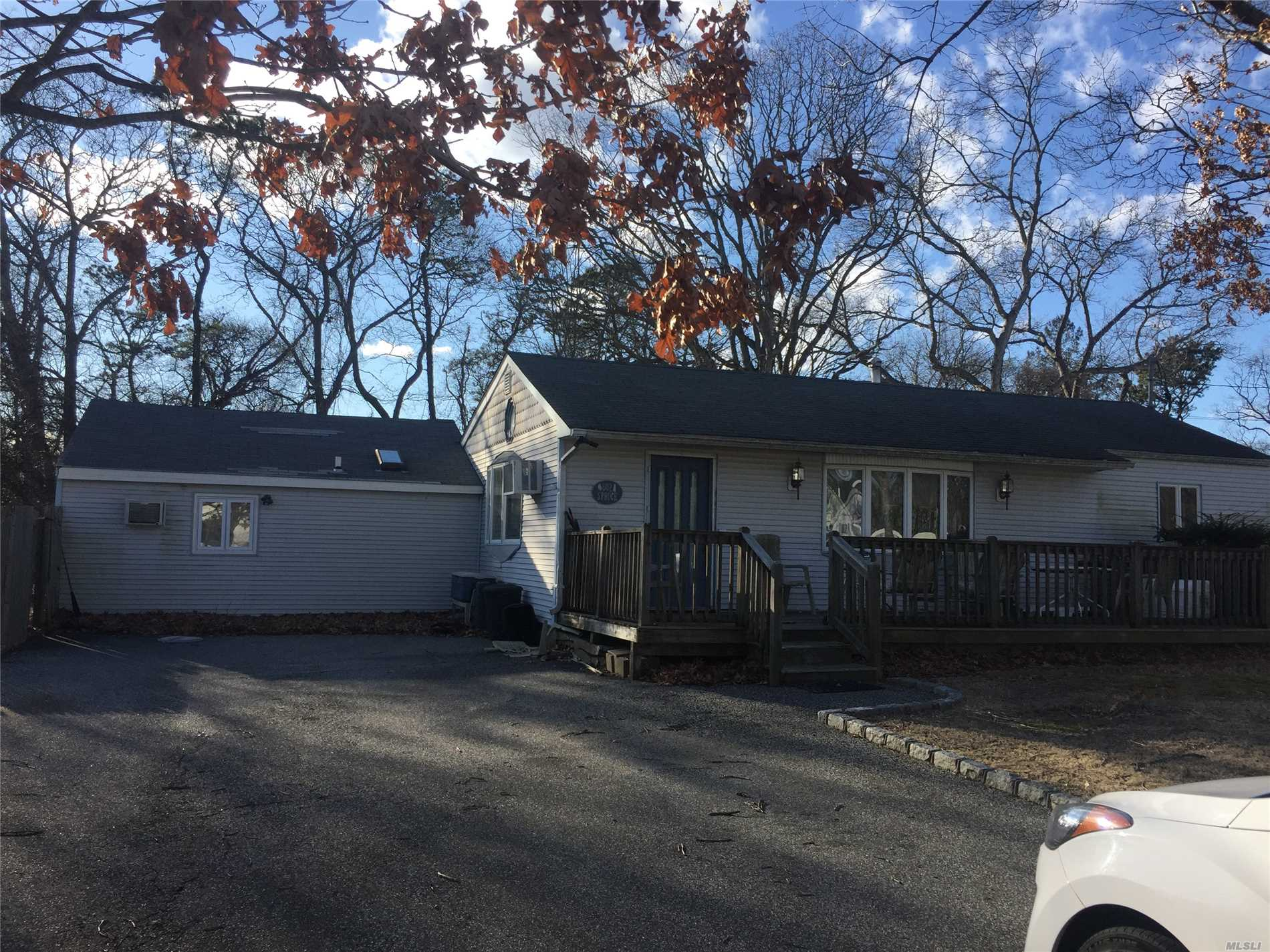 602 Spruce Ave - Sayville, New York