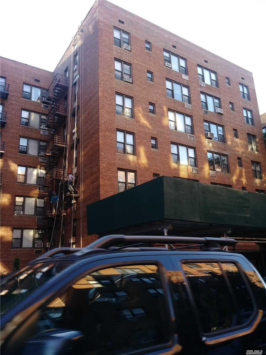 83-30 Vietor Ave, 710 - Elmhurst, New York